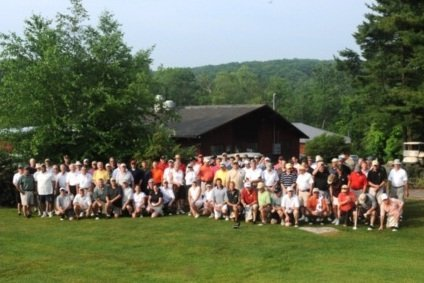 Group photo during 2018 homecoming golf outing